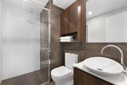 Ein Badezimmer in der Unterkunft Arise Brisbane Skytower