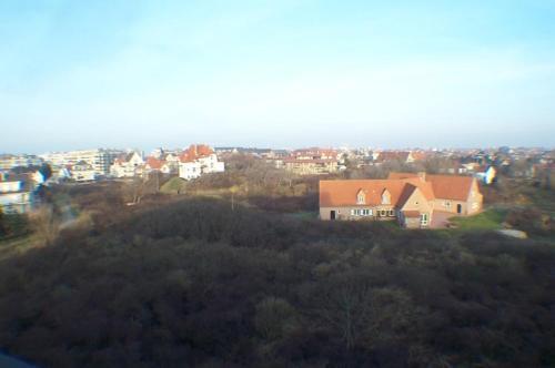 Een luchtfoto van Residentie Koksijde promenade