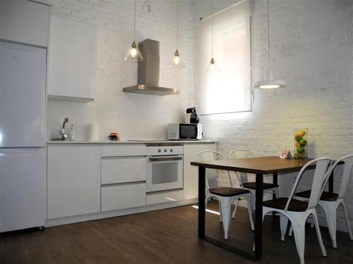 A kitchen or kitchenette at Loft Auditorio Nacional