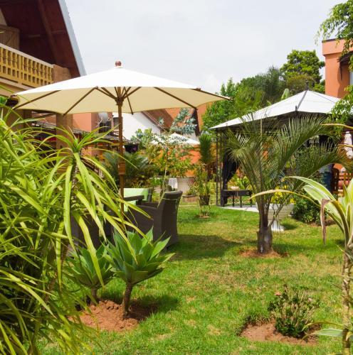 A garden outside Green Palace