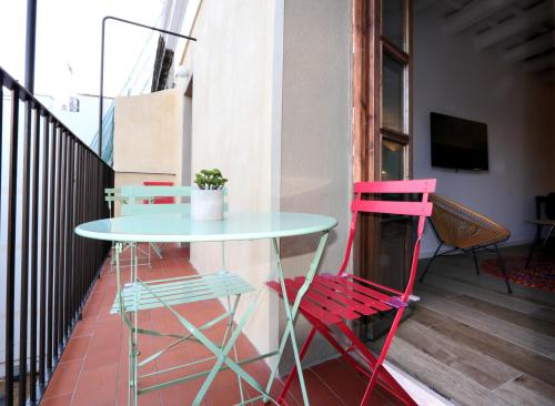 A balcony or terrace at ClassBedroom Port Ramblas