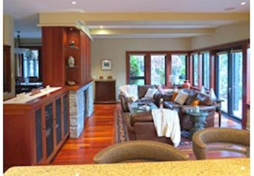 A restaurant or other place to eat at Mill Cove Luxury Home - 28 Night Min