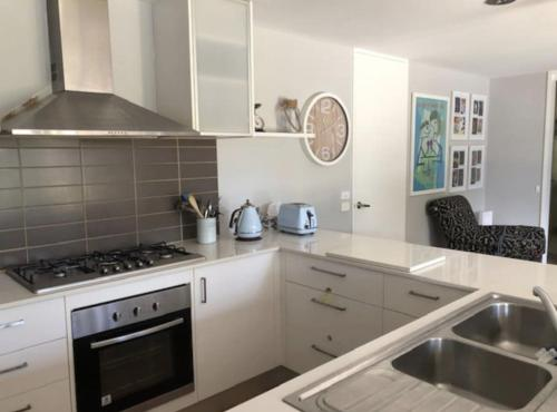 A kitchen or kitchenette at Ocean Grove Beach House