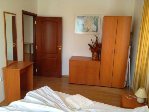 Een TV en/of entertainmentcenter bij Apartment in Kassandra Complex