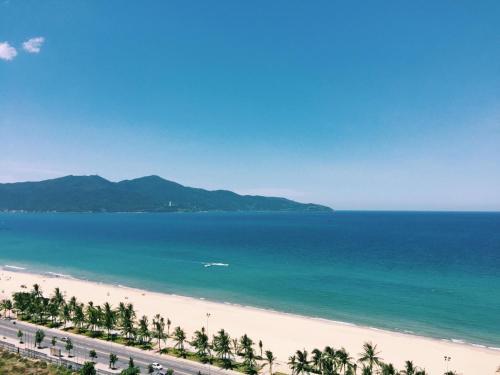 Da Nang Daisy Apartment 1 beach view