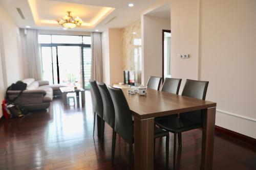 Ha Noi Royal City Luxury Apartment