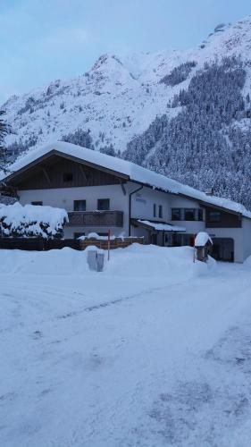 Haus Sonnenweg during the winter