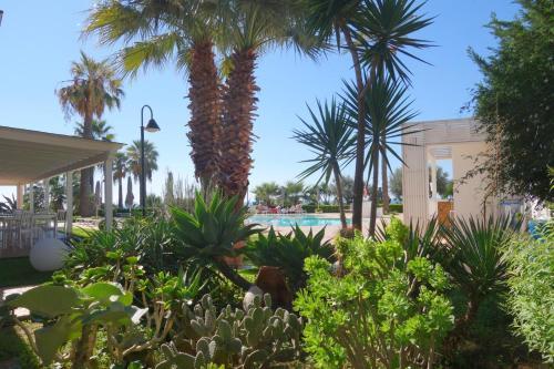 A garden outside Case Vacanze Bellavista