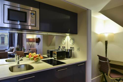 Cucina o angolo cottura di Fraser Suites Queens Gate
