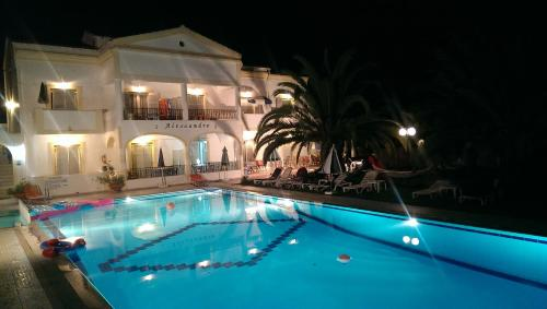 The swimming pool at or close to Alessandro