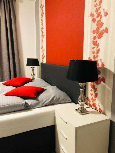 Ein Bett oder Betten in einem Zimmer der Unterkunft Haus Tannenhof