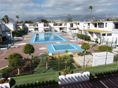 A view of the pool at Suncanarias Apartamento Drago 326 or nearby