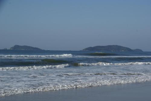 Beach sa o malapit sa holiday home