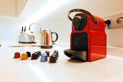 אביזרים להכנת קפה ותה ב-Chueca Exclusive - MADFlats Collection