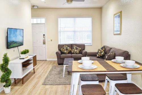 A seating area at Orlando Vacation Rental 15 Miles From DISNEY
