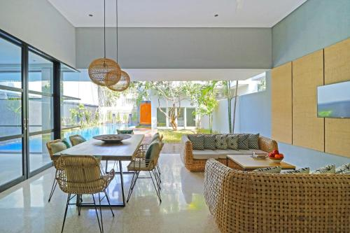 A restaurant or other place to eat at Origin Seminyak