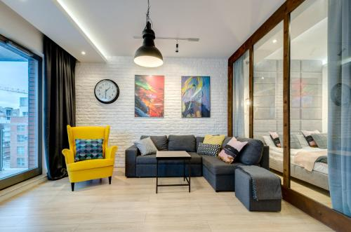 A seating area at Dom & House – Old Town Waterlane