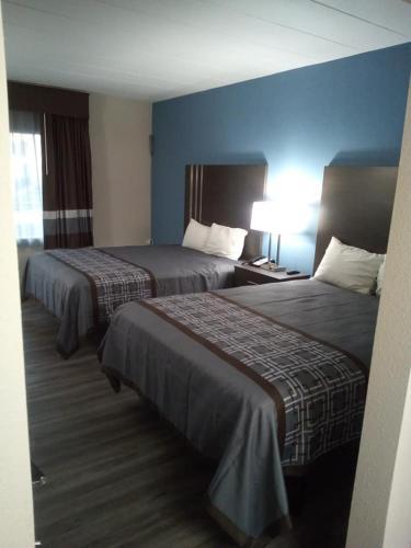 Red Carpet Inn - Burlington