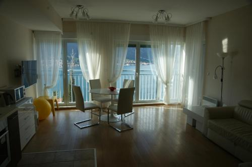 A seating area at Apartments Alexander