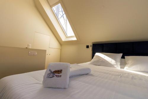 A bed or beds in a room at Guest H4U - Casa Dom Luis Gaia