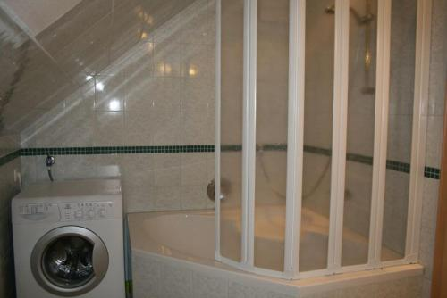 Ein Badezimmer in der Unterkunft Haus Rottenstein