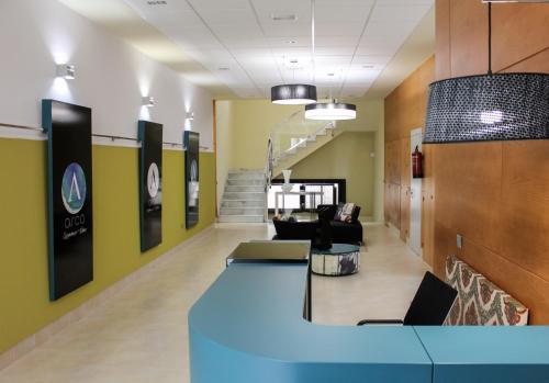 The lobby or reception area at Apartamentos Arco