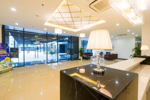 Q-House Luxury Apartment Goldmark City