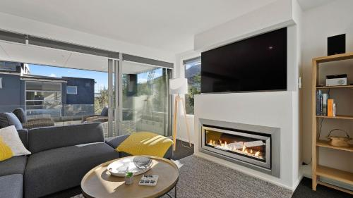 A television and/or entertainment center at Diamond Residence Central Queenstown