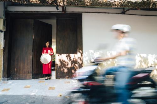 IAMSAIGON HOMESTAY 100% Profit for Orphanage