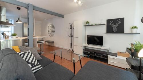 A seating area at Apartamento Luis de Vargas