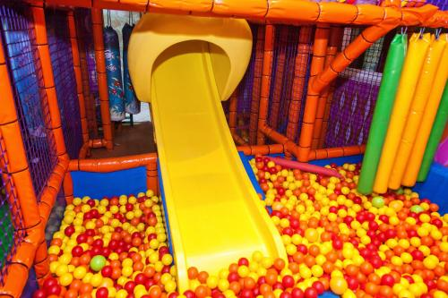 Детская игровая зона в Arabela