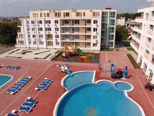 A view of the pool at Sarafovo Residence or nearby