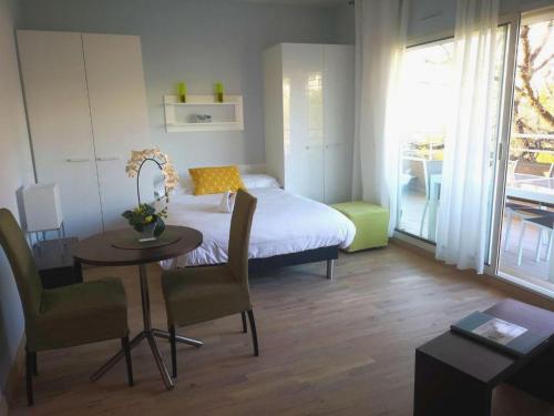 Lova arba lovos apgyvendinimo įstaigoje Arthur Properties Bel Air