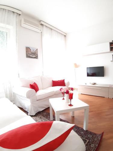 A seating area at La Maison Di Marianna