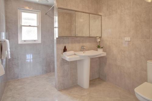 A bathroom at Little Hacienda - Port Lincoln