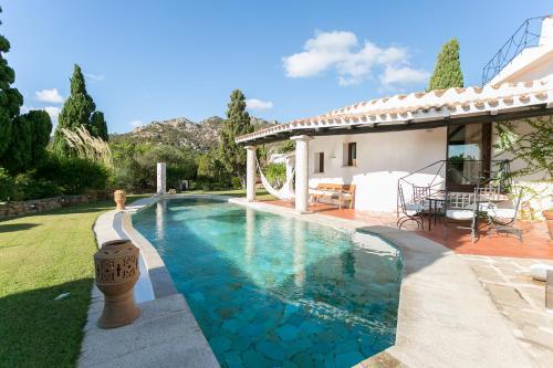 The swimming pool at or near Villa Porto Cervo centro