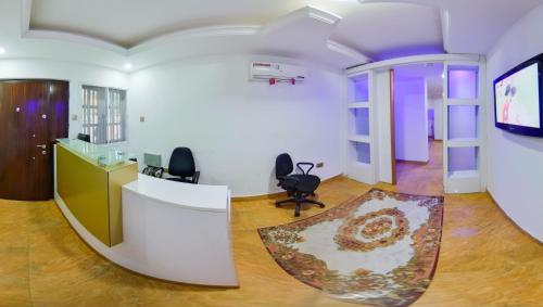 El vestíbulo o zona de recepción de Centurion Apartment - Maitama