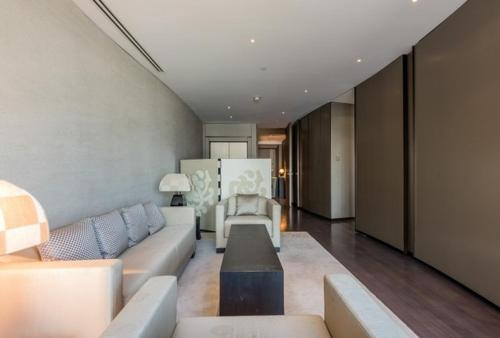 A seating area at Sea view downtown Apartment