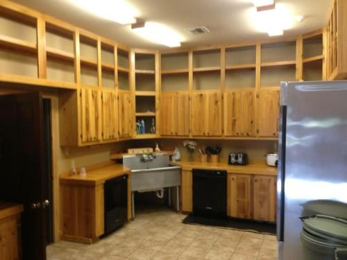 A kitchen or kitchenette at Eagle Lodge at Crying Eagle Lodging Company