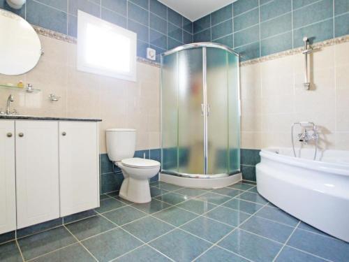 A bathroom at Villa KPANA1