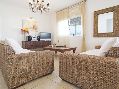 A seating area at Villa KPANA1