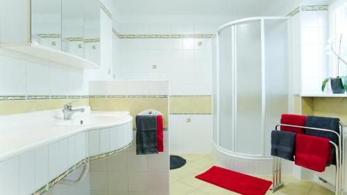 Koupelna v ubytování Apartmány Monty