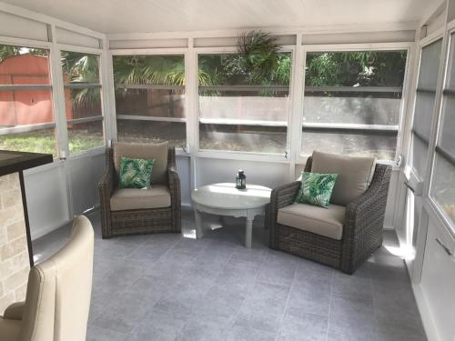 A seating area at 12316 Eldon Dr Vacation Home