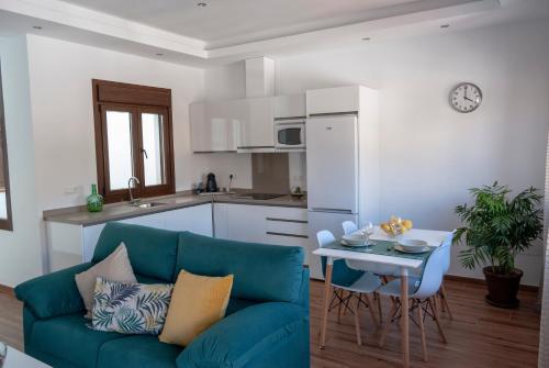 Una cocina o zona de cocina en Apartamentos Cantarería, Jazmín.