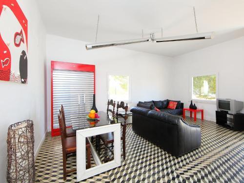 A seating area at Villa Casa Da Guarda