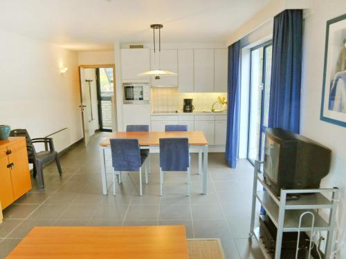 A kitchen or kitchenette at Apartment Hera etage.7