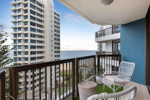 A balcony or terrace at Large Beachside 2 Bedroom Unit
