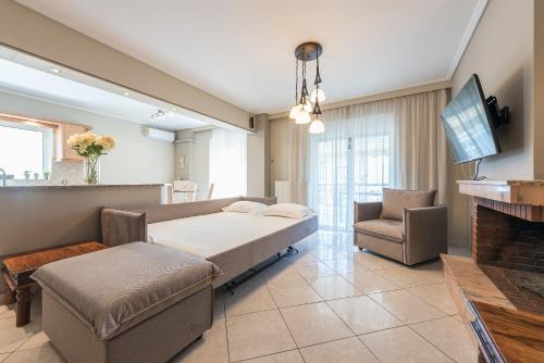 A bed or beds in a room at Luxury and Spacious apt for 8 guests
