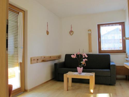 Ein Sitzbereich in der Unterkunft Rosenheim