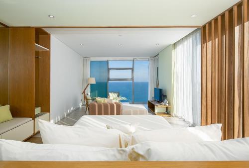 Ocean View Apartment 18 - Fusion Suite Da Nang Building